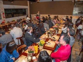SOMEVESC promove evento em celebração ao Dia do Veterinário em Florianópolis