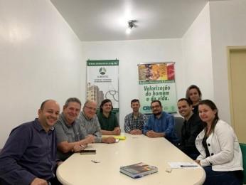 Núcleos regionais se reúnem com representantes da SOMEVESC