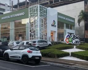 Somevesc esteve representada na inauguração de hospital veterinário em Balneário Camboriú