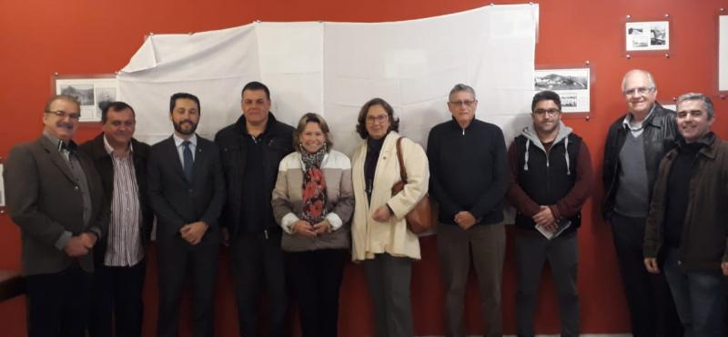 Núcleo Regional de Gaspar promove encontro com médicos veterinários e palestra